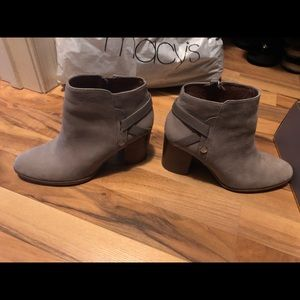 Grey booties, size 7 Louise et Cie.